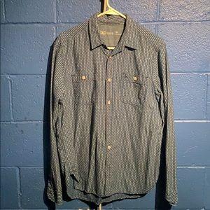 Men's Medium Gap button up shirt